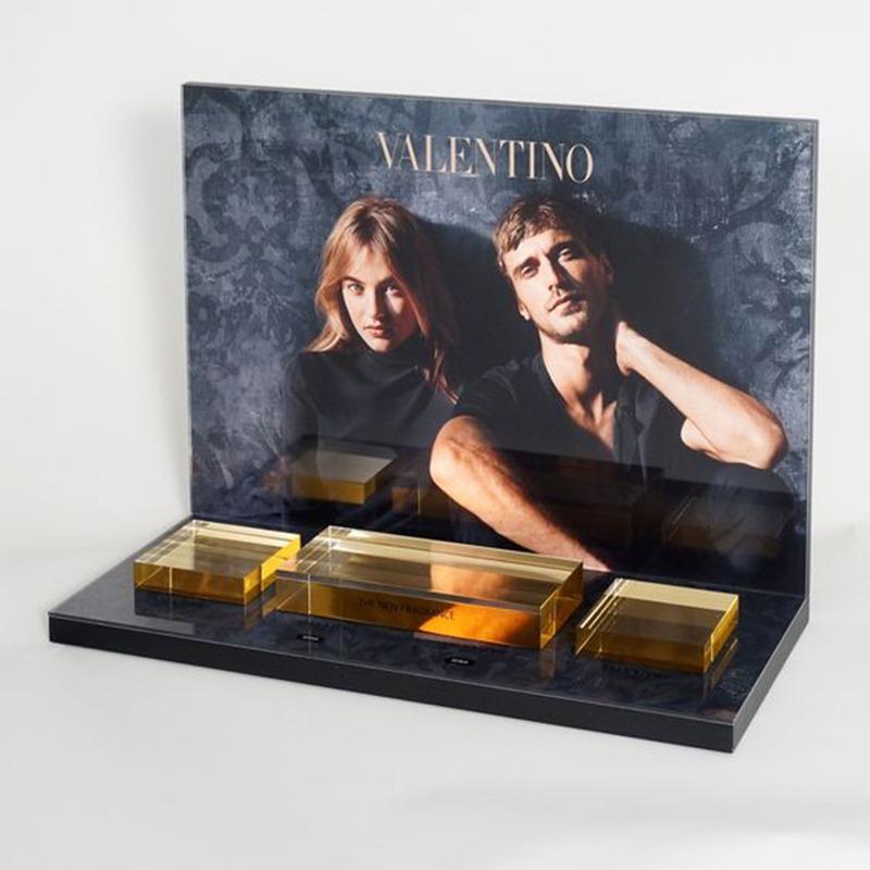 Impressive Acrylic Perfume Display